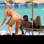 BEACH BUM: Ice-T & Coco FLOSS On Miami Beach