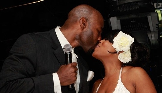 Niecy-Nash-shares-a-kiss-with-Jay-Tucker.jpg