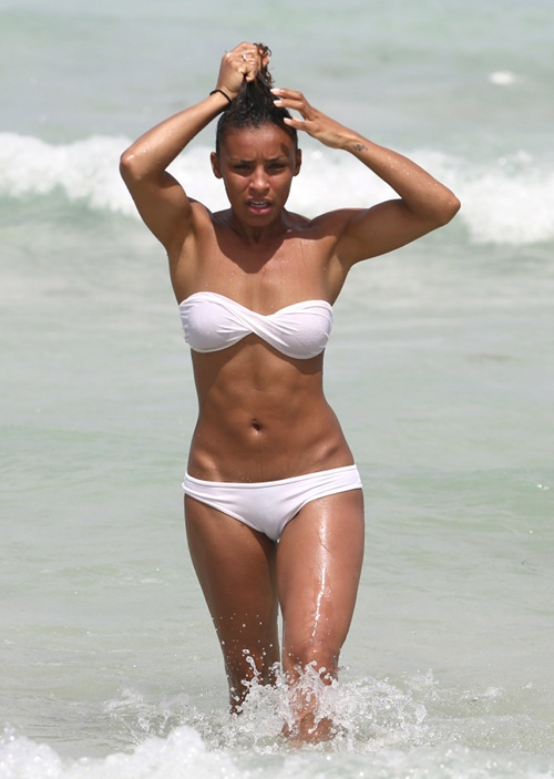 body kerry washington bikini