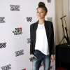 236979e500000578-2845781-casual_chic_zendaya_looked_laid_back_in_dark_wash_jeans_and_an_o-5_1416707152568.jpg