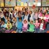 Vivica Fox Loves The Kiddies!