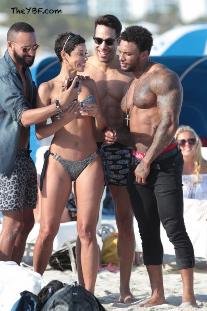 Nicole Murphy is making the most out of her trip to Miami  Check out    Nicole Murphy Sons