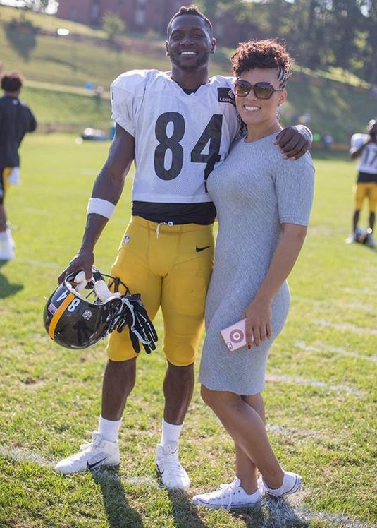 Antonio Brown Throws A Bag Of D Ks At Kids Mother Curses Cops Out In Front Of Kids Judge Orders Them To Mediation In Eviction Case The Young Black And Fabulous