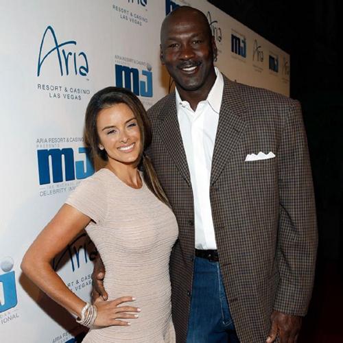 Double Dunk Michael Jordan Amp Wife Yvette Welcome