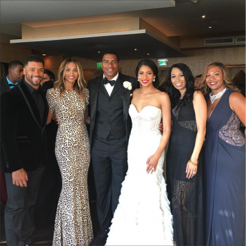 Ciara Amp Russell Wilson Get Cutesy At Teammate Deshawn